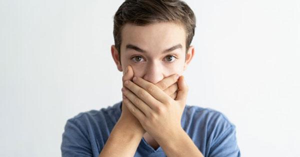 arcüreggyulladás rossz lehelet