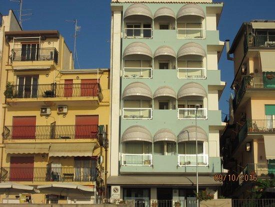 HOTEL TYSANDROS (Giardini Naxos, Olaszország) - Értékelések és Árösszehasonlítás - Tripadvisor